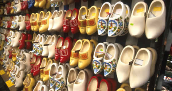 De compras zuecos y ropas t picas en amsterdam - Comprar ropa en portugal ...